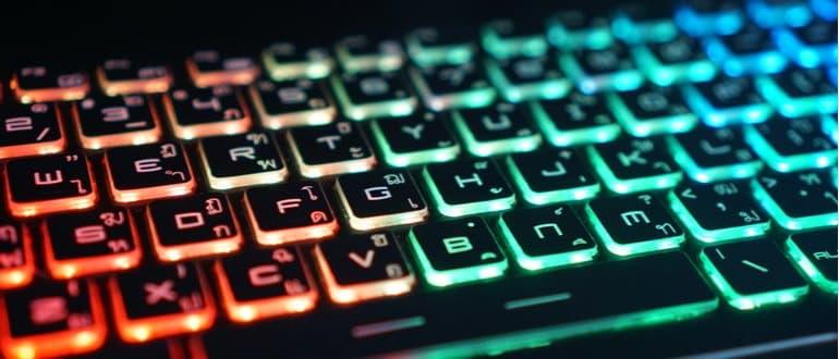 Gaming Laptop Tastatur LED Beleuchtung mehrfarbig