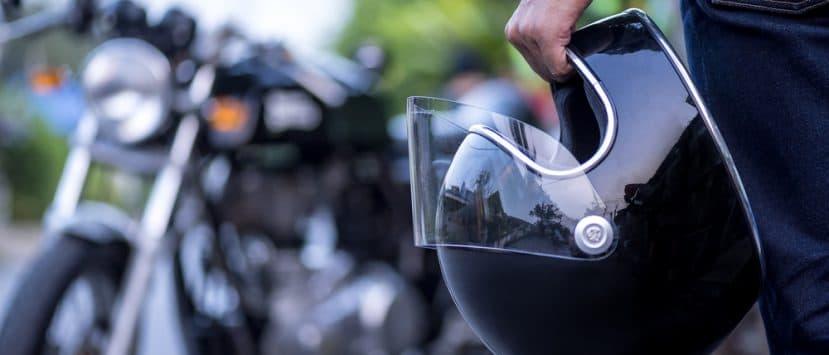 Ein Jethelm ist ein Retro-Motorradhelm
