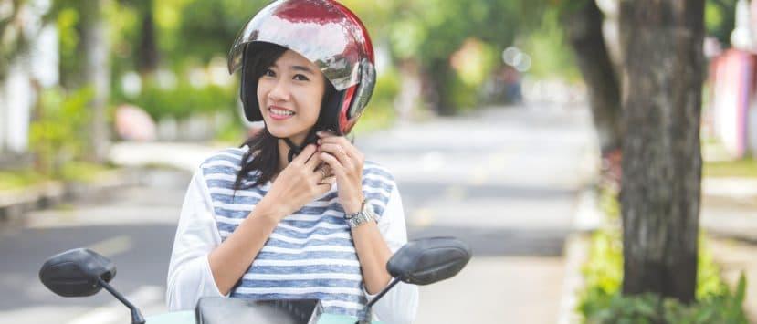 Motorradfahren mit Helm: In Österreich herrscht Helmpflicht