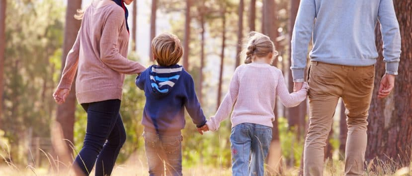 Kinder-Schrittzähler motivieren die Kleinen zu langen Spaziergängen und fördern das Durchhaltevermögen.