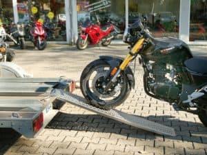 Einspurige Auffahrrampe für Motorräder