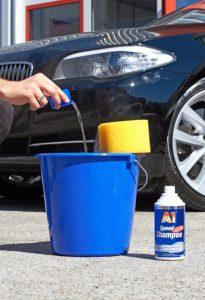 Richtige Dosierung von Autoshampoo