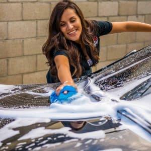 Richtige Autowäsche mit Autoshampoo