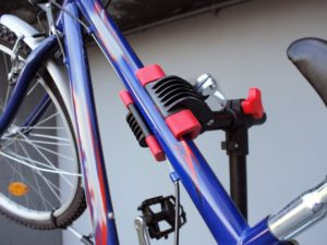 fahrrad-montagestaender-haltekralle