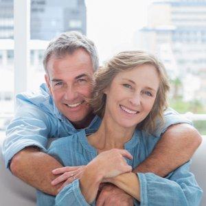 Paar, das sich mit Kapitallebensversicherung einen Traum erfüllt hat