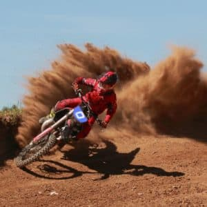 motocross-helm-action