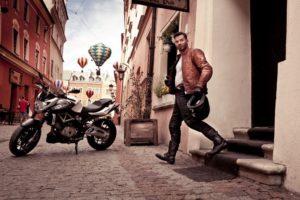 motorradhandschuh-motorradfahrer